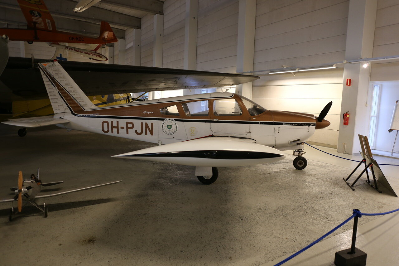 Музей авиации в Вантаа. Piper PA-28R-180 Cherokke Arrow