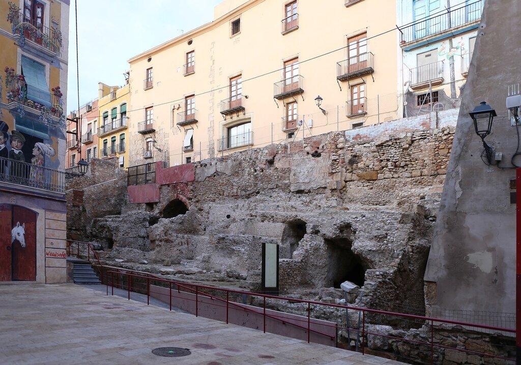 Таррагона. Пласа Де ла Фонт Площади Седассос. Plaça dels Sedassos. Tarragona