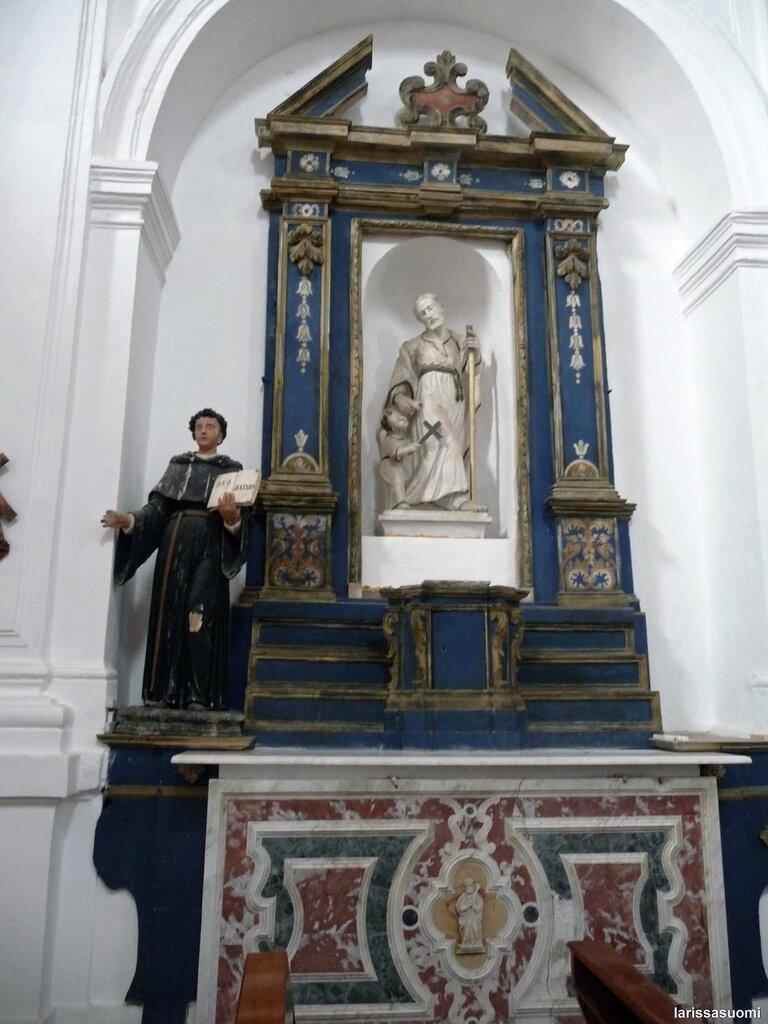 Forsa d'Agro. Церковь Св. Троицы, 15 в., боковой алтарь.