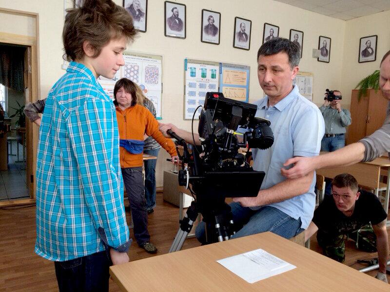 — Сын Медведева снимался в Ералаше! — Ну и как он, как актер? — Талантливый, в отца пошел.