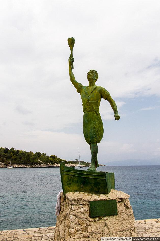 Памятник Гергиосу Анемояннису, герою Освободительной войны Греции