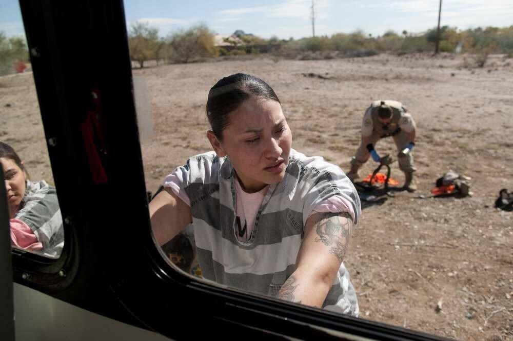 Досмотр женщин в американской тюрьме виде фото 777-726