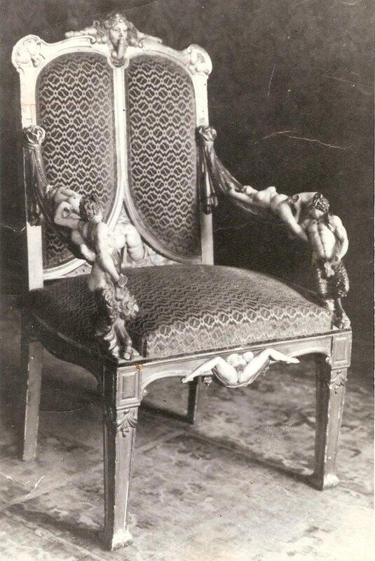 Эротическая мебель из дворца