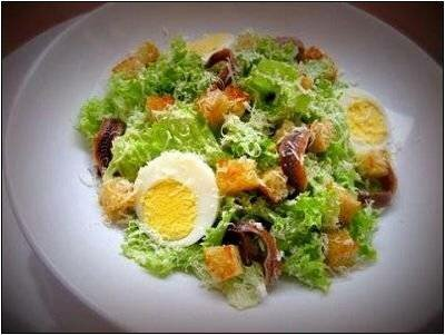 Салат с анчоусами