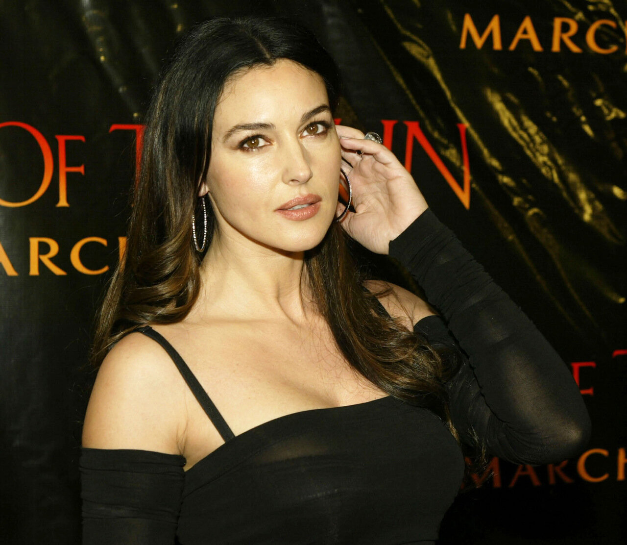 MONICA BELLUCCI  AT PREMIERE OF TEARS OF THE SUN