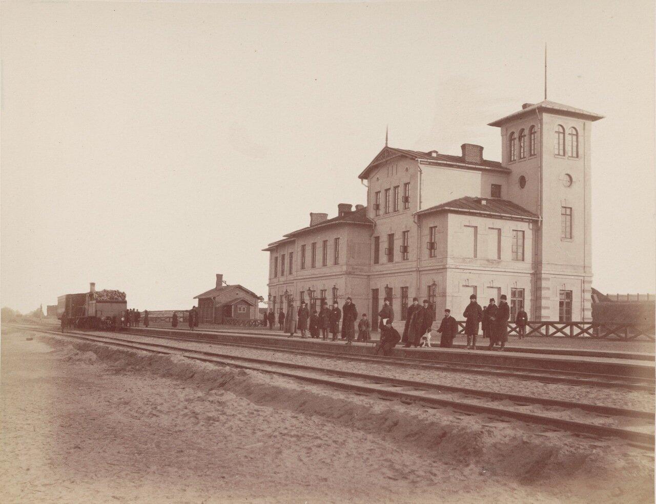 Вокзал в Стржемешице-Вельке