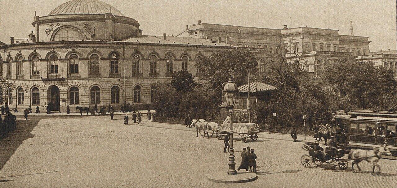 Варшава. Польский банк