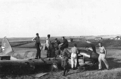 Сбитый штурмовик Ил-2. 1943 год.