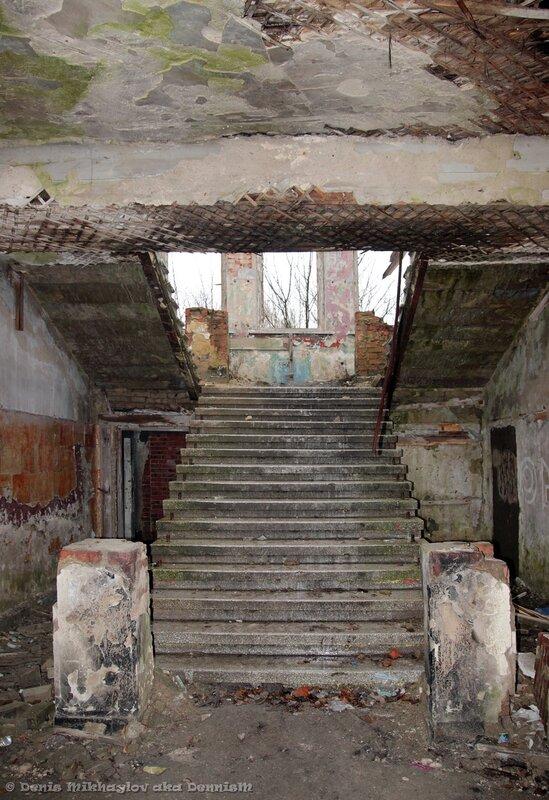 Усадьба Гребнево. Лестница восточного флигеля.