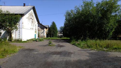 Фото города Инта №5149  Юго-западный угол Коммунистической 4 16.07.2013_12:20