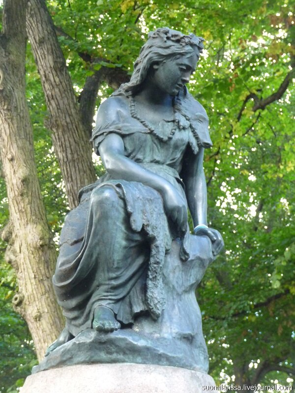 """Горка Линды. Скульптура """"Линда""""."""