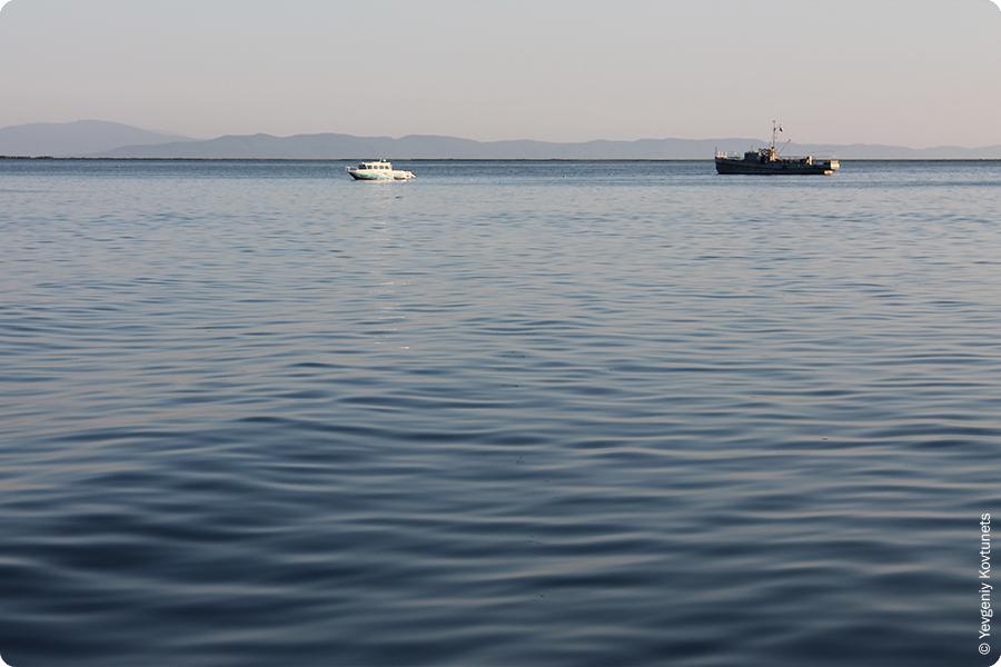 корабли в Чивыркуйском заливе, Монахово, Святой Нос