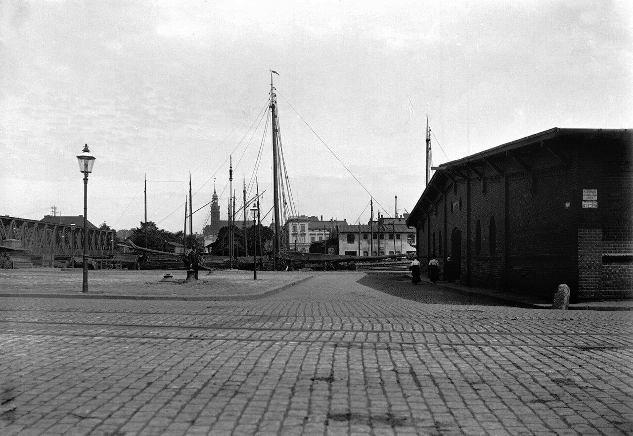 Вид на Нео Росгартенскую кирху с улицы Вокзальной
