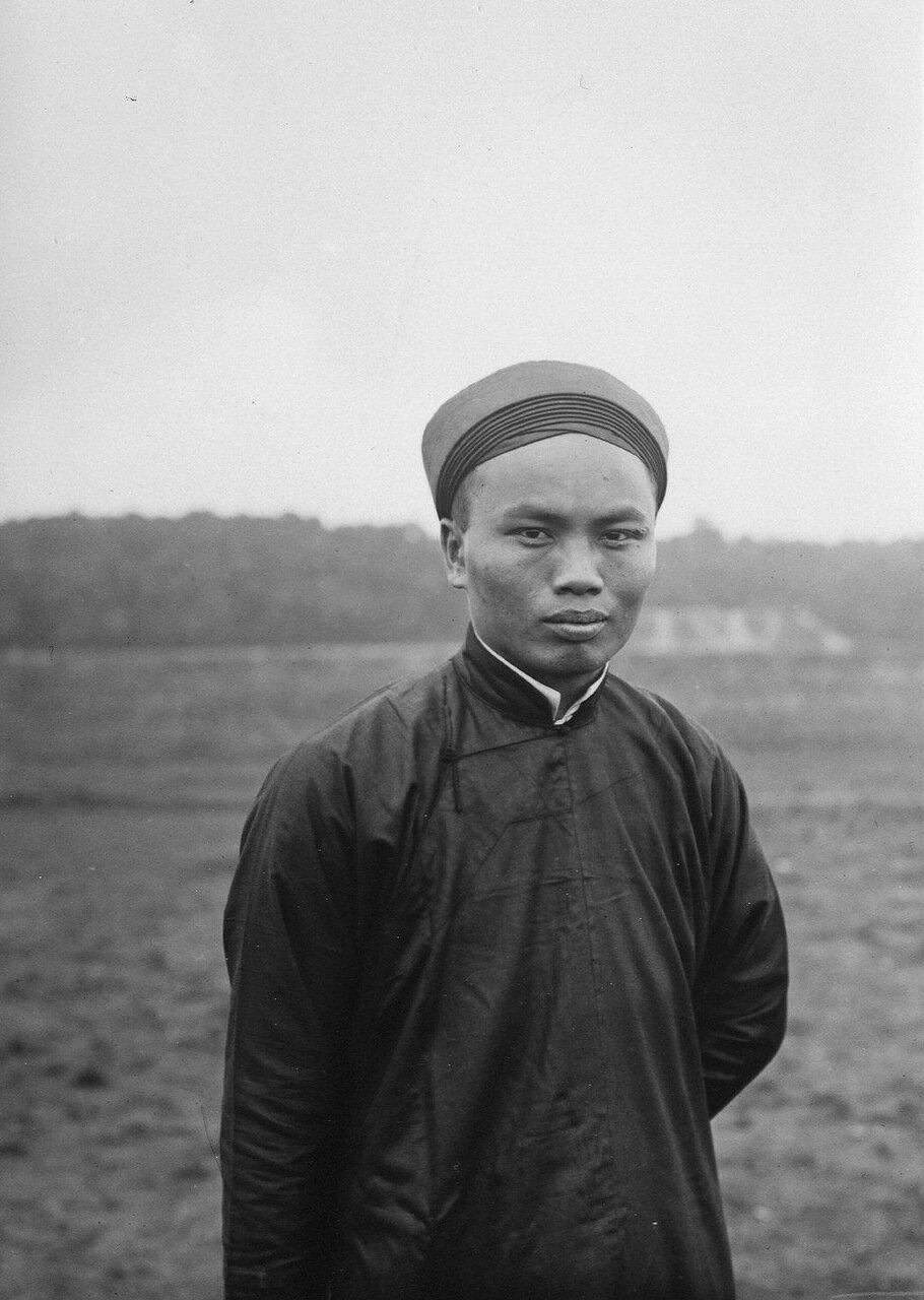 Тонкин. Певец г-н Хуен Ю