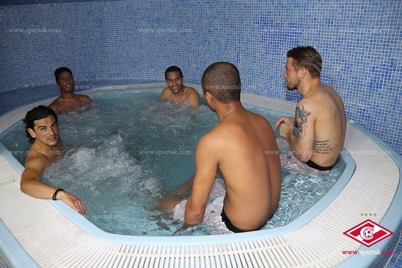 «Спартак» тренируется на сборе в Марбелье (Фото)