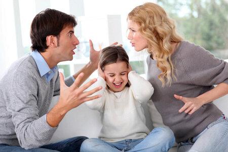 Семейные скандалы сильно нарушают детскую психику