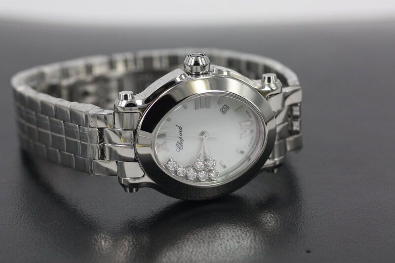 Часы с плавающими бриллиантами