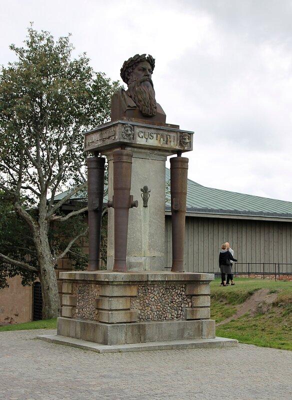 Уппсала. Uppsala. Королевский замок. Густав Ваза памятник. Uppsala Slott. Uppsala Castle.Gustav Vasa Monument