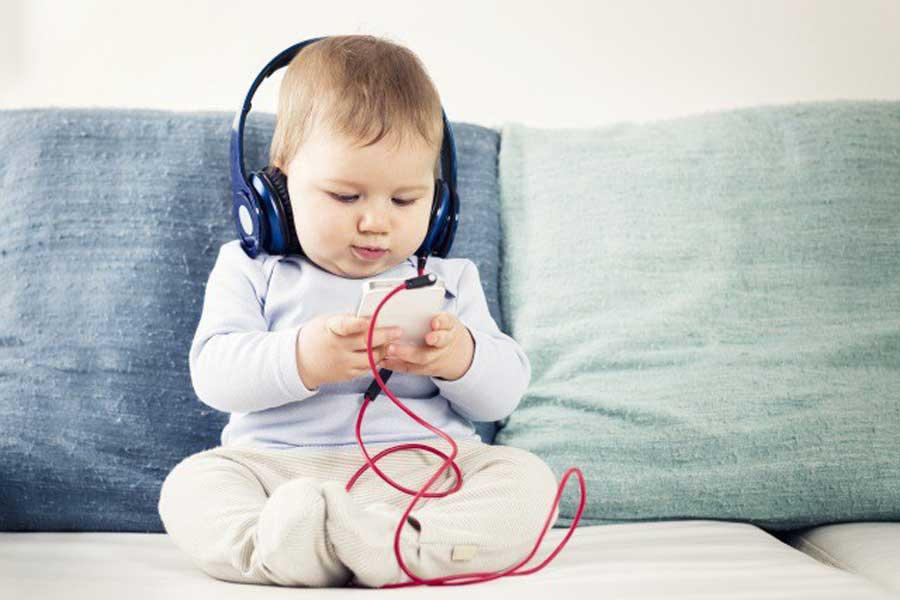 Ученые: мобильные телефоны плохо влияют на интеллектуальное развитие детей