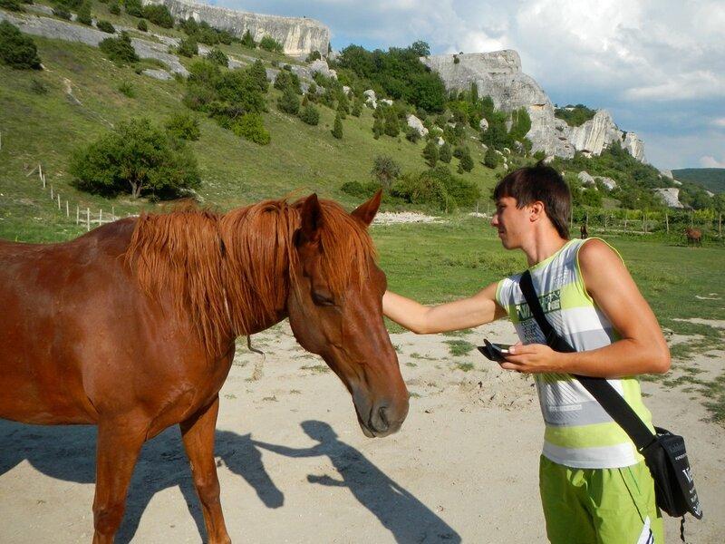 Лошади, кони и жеребята в пещерном городе Эски-Кермен, Крым DSCN3383.JPG