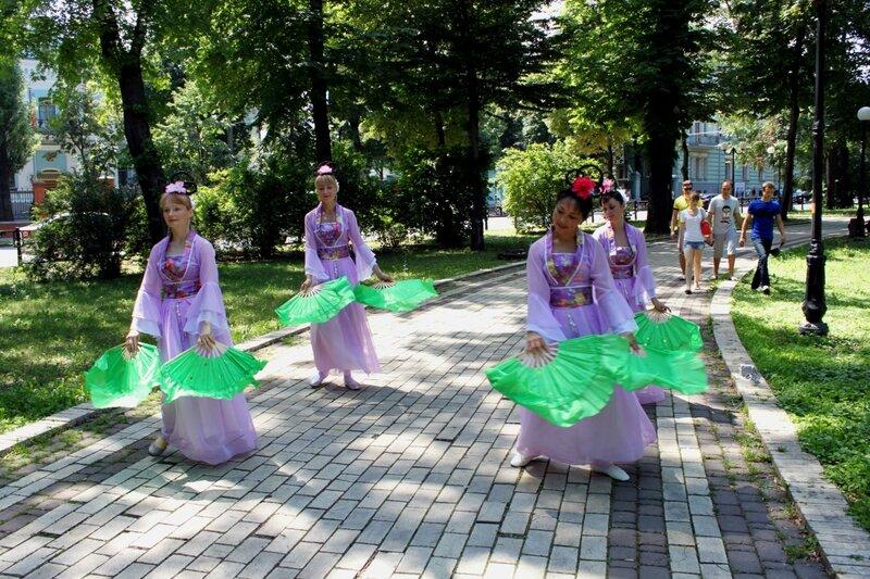 Фестиваль Фалунь Дафа в Мариинском парке