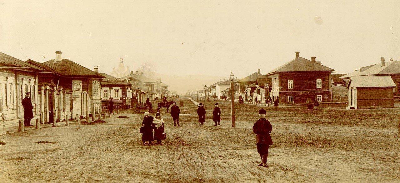Фрагмент Театральной площади с перспективой Благовещенской улицы на северо-запад. Конец 1880-х