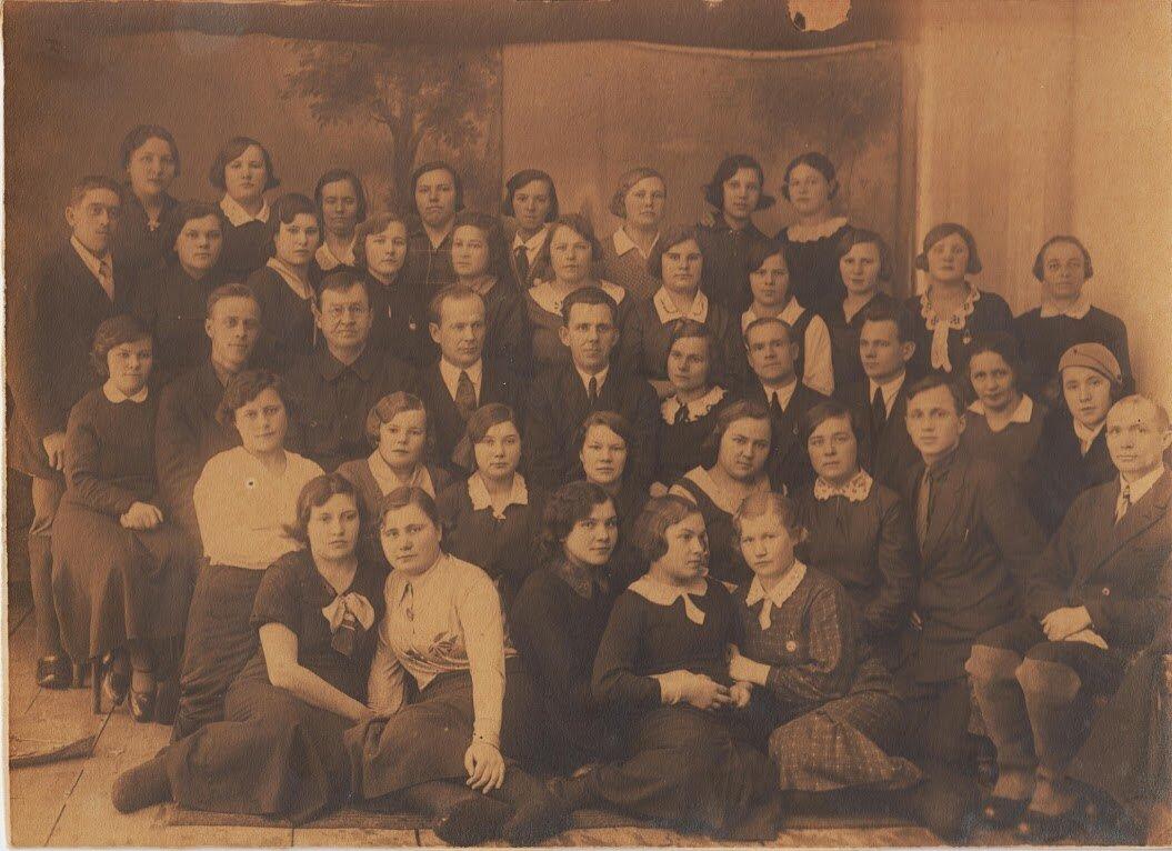 1937–1938. Учащиеся школы животноводов им. Ильича, Ивановская обл, г. Шуя