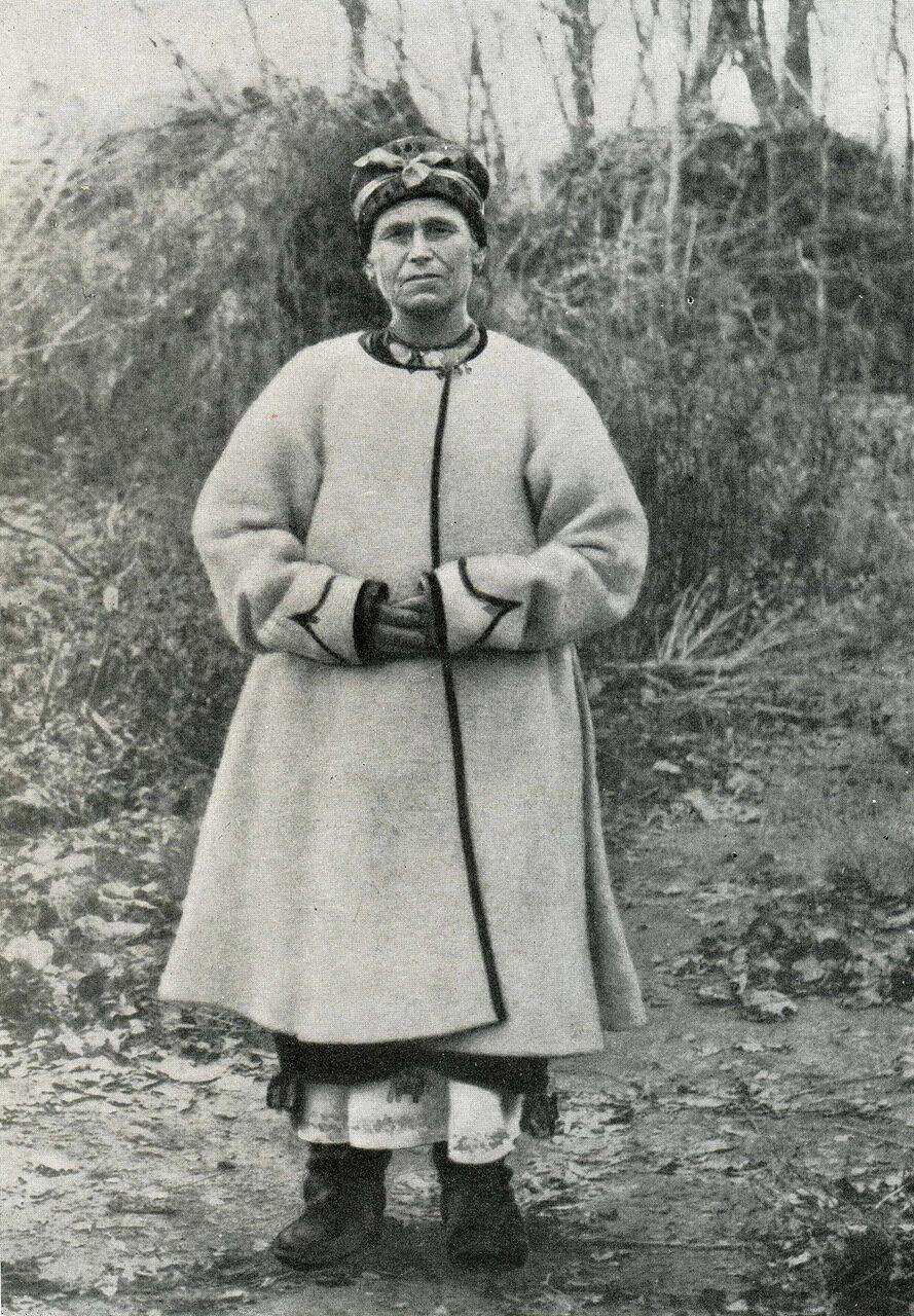 Женщина в белой свите. Харьковщина. XIX век