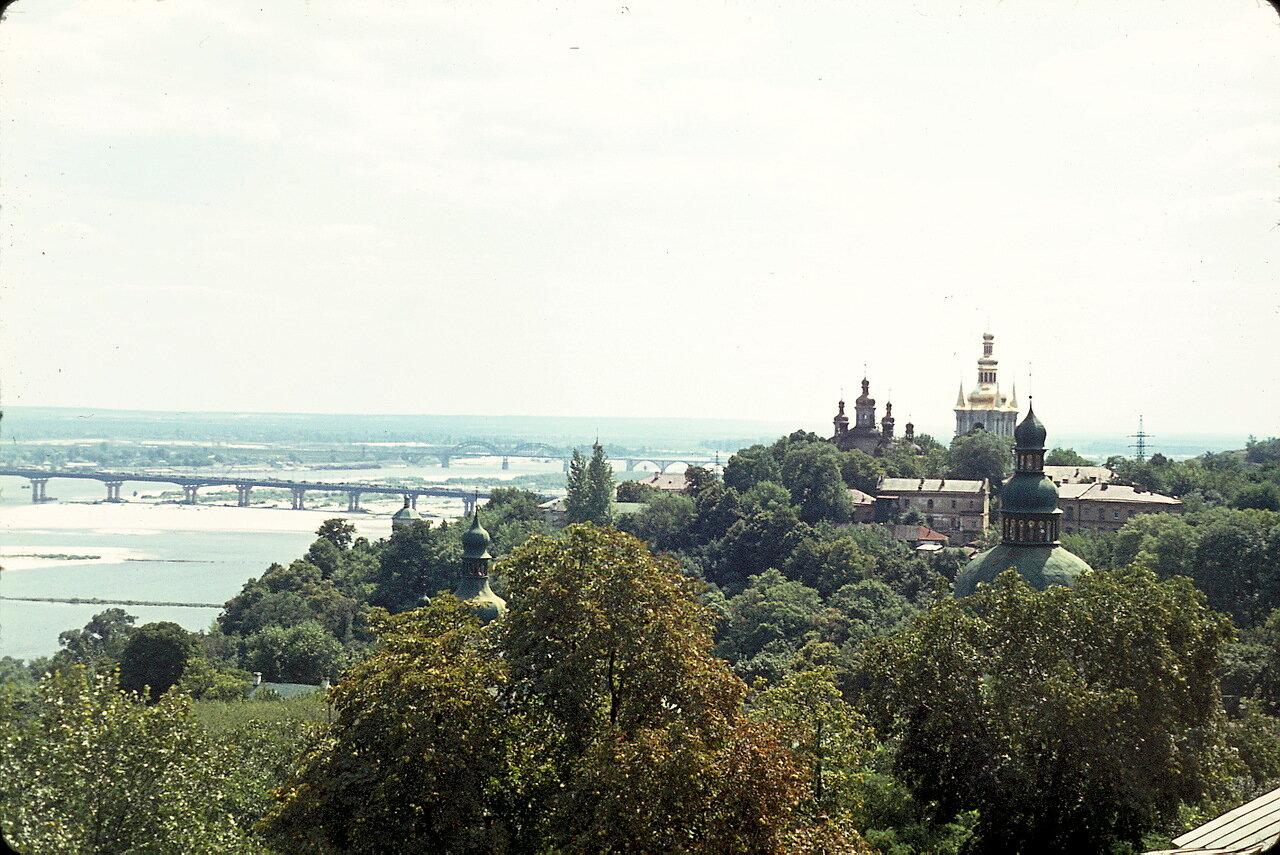 Киев. Днепр. Монастырь Киево-Печерской лавры