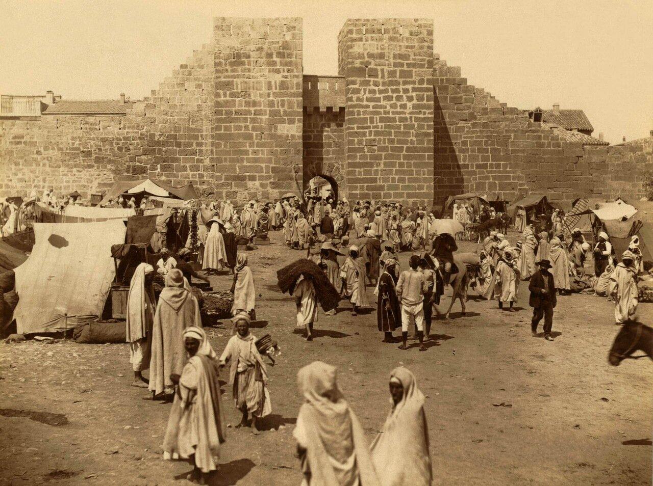 1860-1890. Тебесса. Рынок перед Воротами Соломона