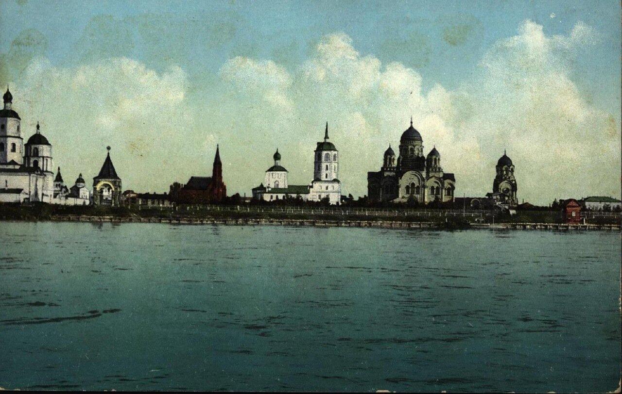 Видъ на город с реки Ангары