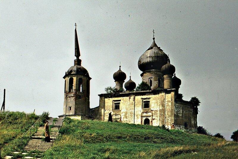 1976-79 Церковь Рождества Иоанна Предтечи. Витольд Муратов.jpg