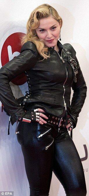 Голые фото молодой Мадонны 18+ (14 фото)