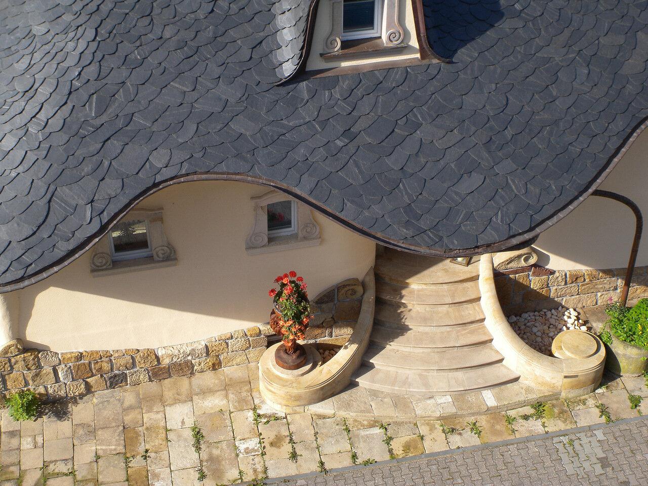 Впечатляющая архитектура дома в Германии (18 фото)