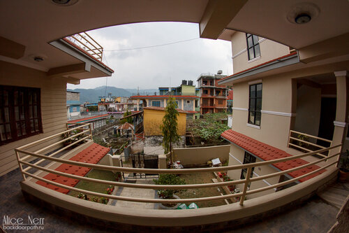 Вид с общей веранды в Pokhara Studio Inn