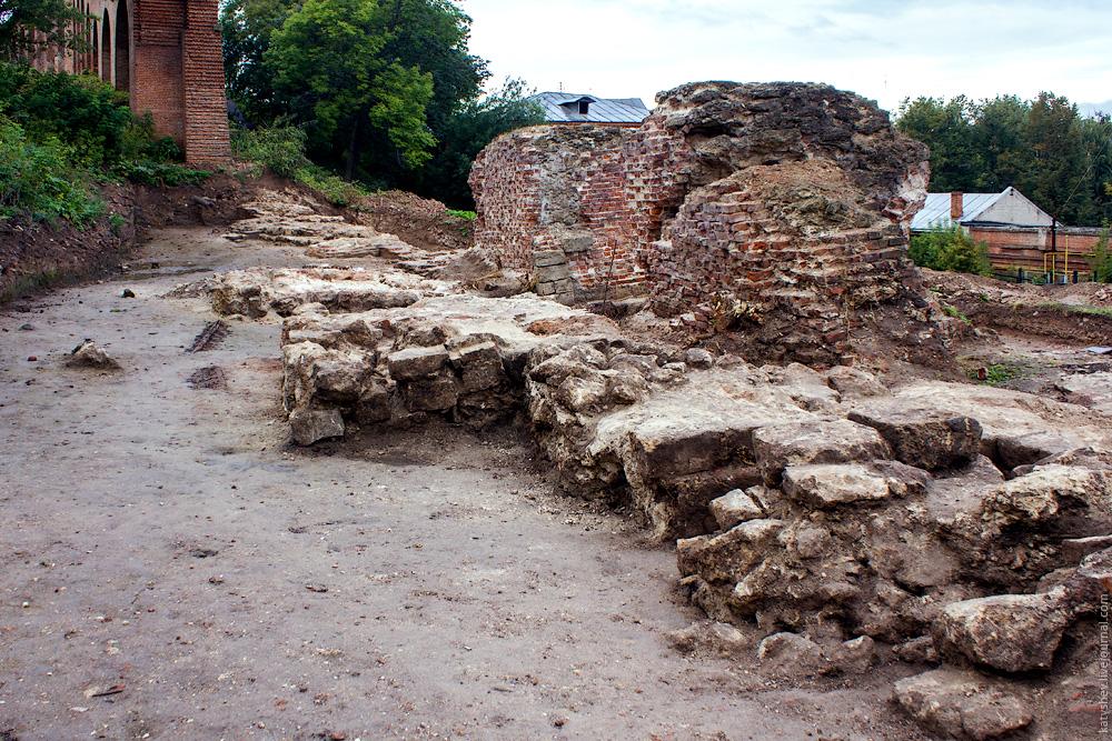 Руины в 2011 году