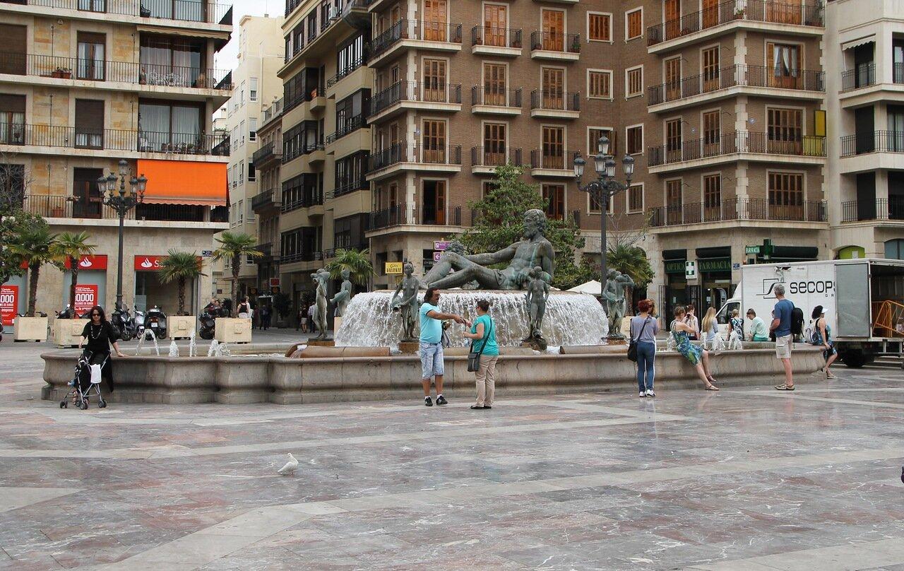 Valencia. Fountain of Turia (Fuente del Turía)