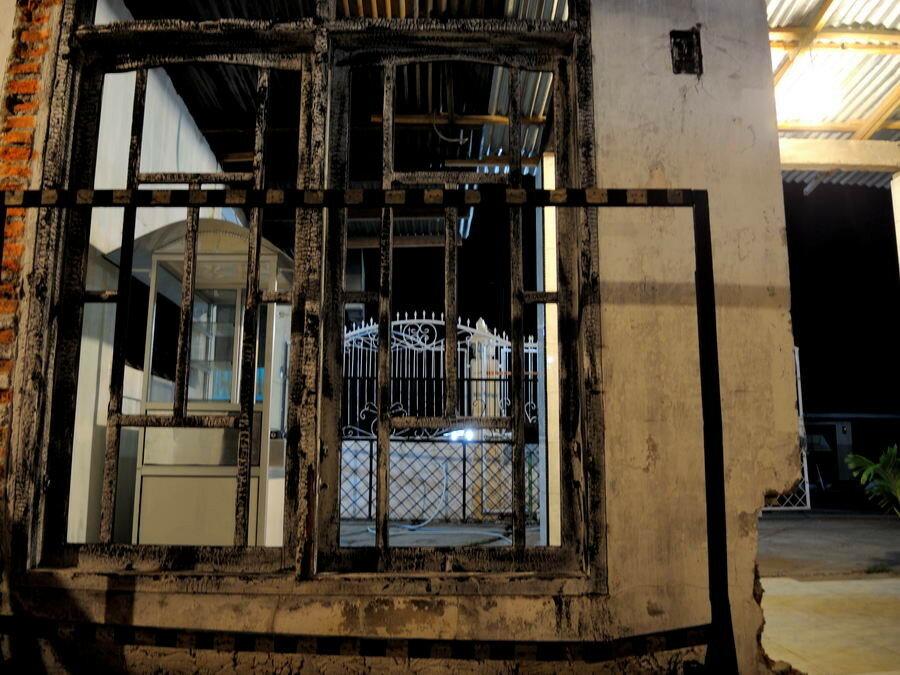 Кафе на месте сгоревшего здания