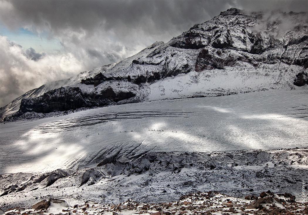 альпинисты в горах