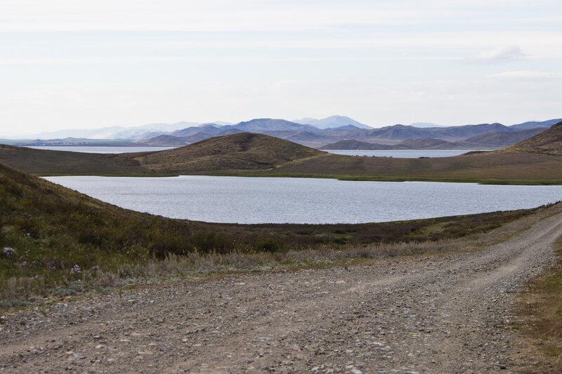грунтовая дорога вдоль Бухтарминского водохранилища