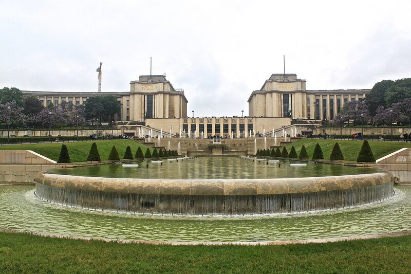 Дворец Шайо.Трокадеро.Фонтан де Варсови.