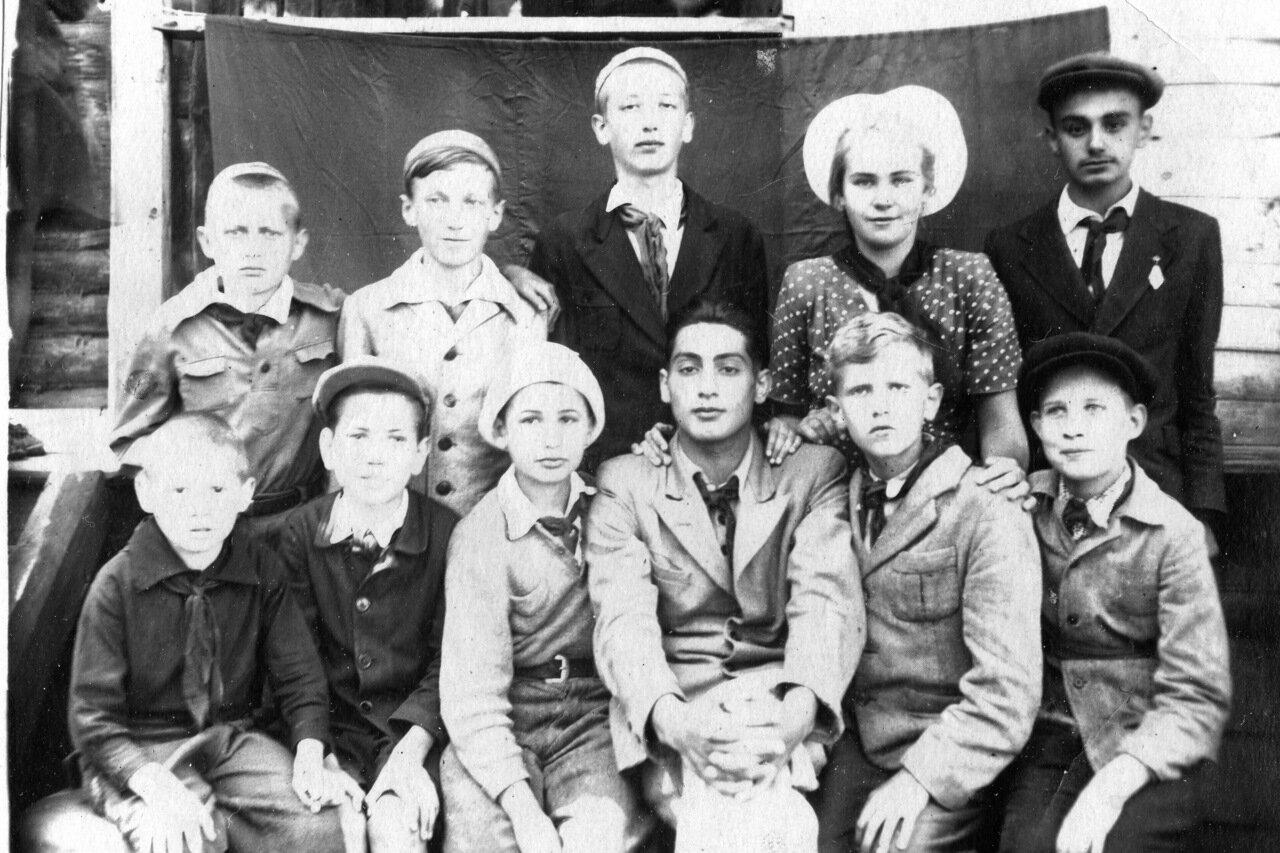 1948. Лагерь Пески
