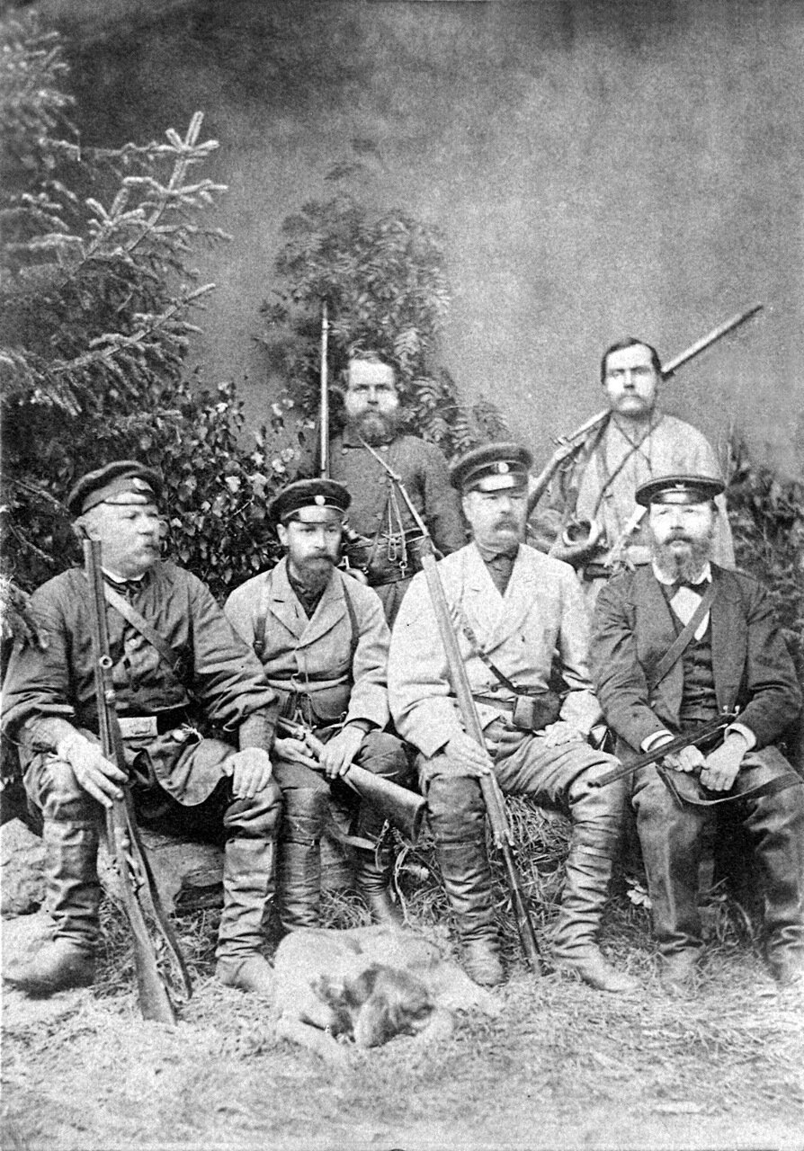 1900-е г. Златоустовские охотники.