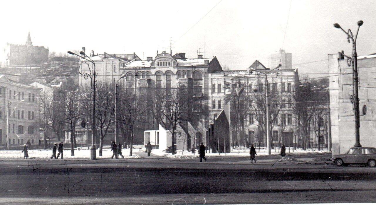Контрактовая площадь в начале 80-х годов.