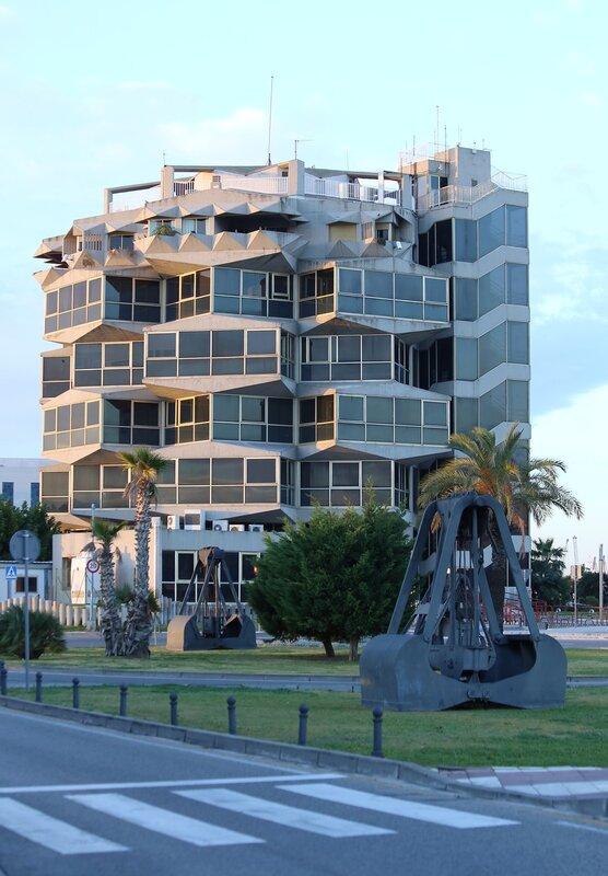 Tarragona. The promenade Moll de la Costa. Tarragona.