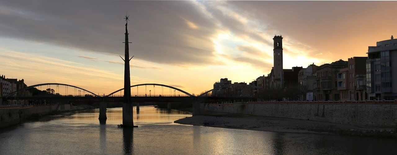 Tortosa, Тортоса.  Ebro river, закат над Эбро. panorama