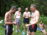 Уточнение протокола среди четырех участников марафона и главного судьи