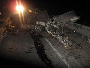 В Приморье «Тойота» лоб в лоб столкнулась с грузовиком: один человек погиб