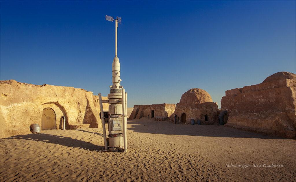 Заброшенные декорации к фильму «Звездные войны» в Тунисе. / Abandoned scenery for the movie «Star Wars» in Tunisia.