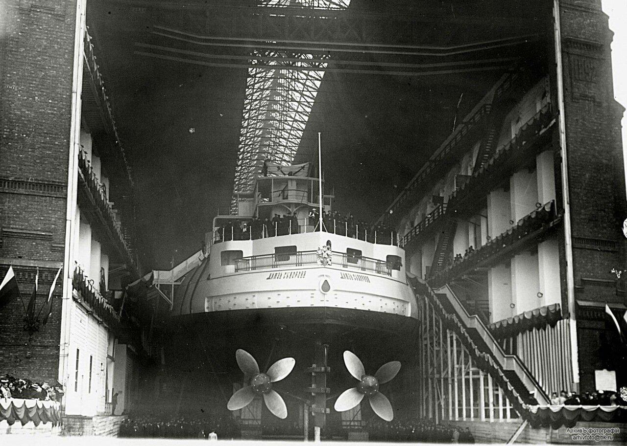 03.Эскадренный броненосец «Князь Суворов» перед спуском на воду